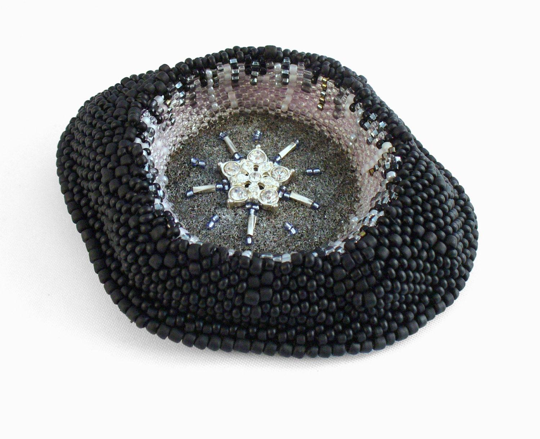 1000  ideas about Brooches on Pinterest | Diamonds, Rhinestones ...