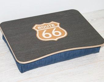 plateau de lit en bois pour ordinateur portable par woodpower. Black Bedroom Furniture Sets. Home Design Ideas