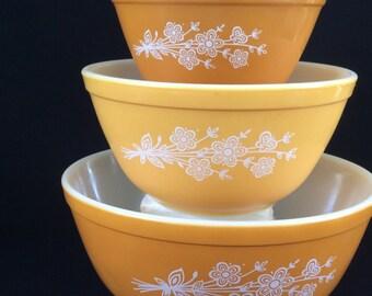 Pyrex Butterfly Gold Pyrex Set