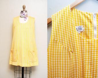 Vintage 60s Yellow Houndstooth Mod Tunic Dress / 60s Sleeveless Babydoll Mini Dress