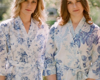 Chinoiserie bleu. One cotton robe lined and with pockets. Bridesmaid robes Bridal party robes 100% cotton with 2 pockets. Lined woman robe.