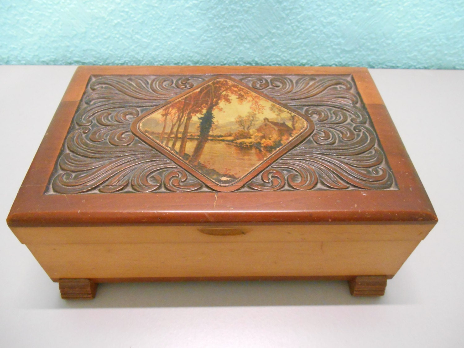 Decorative Box Lid : Large wooden box with carved lid decorative autum