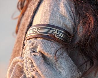 "Leather Arm Cuff Biceps Bracelet ""Labyrinth"""