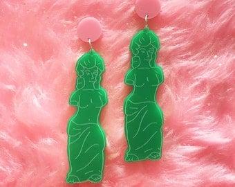 gummi venus earrings