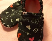 Heart Warrior, CHD Awareness, Valentine's Day, Heart, Arrow, Love, Crib shoes, Booties, Soft Sole, Toddler, Heartiversary, Birthday