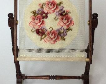 Dollshouse 12th scale Tapestry Frame KIT Floral Ring