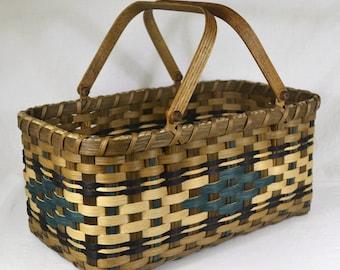 "BASKET PATTERN ""Mary"" Farmer's Market or Vegetable Garden Basket"