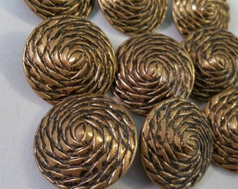 8 vintage large brass textured buttons - 28mm