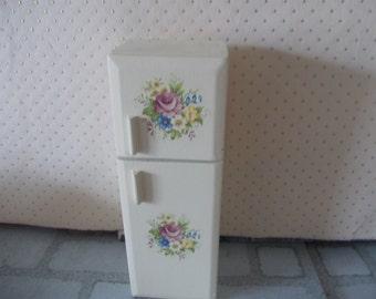 Dolls house miniature fridge freezer 1 12th scale refrigerator painted cream
