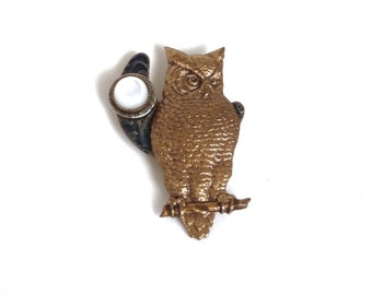 Vintage Owl Pin Brooch Glass Moon Gold Metal Figural Bird Jewelry Gift Idea