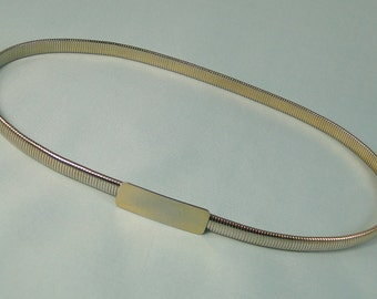 Stretch Goldtone Metal Belt Vintage 1970s Classic Design