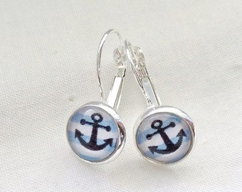 Black boat anchors on bottom striped blue and white earrings cabochon 10 mm, made in Québec, minimalist, nautical sailor