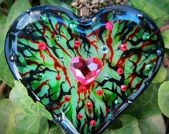 Poison Ivy Resin Heart Pendant ~~ green heart necklace, cosplay necklace, thorn necklace, resin heart pendant, green crystal necklace