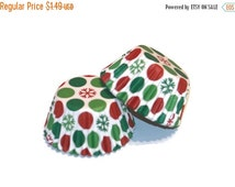 SALE 24 Snowflake Polka Dot Mini Cupcake Liners Party Christmas Red and Green Mini Baking Cups Mini Muffins Holiday Party Supplies Treats Gi