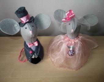 Wedding cake Toppers, Felt Mice, Handmade, cottage Wedding