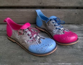 Handmade brogue shoes Python Chic in blue and pink