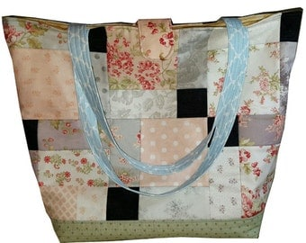 "Custom Walk along the Garden Pat"" Quilted Bag Tote"