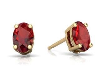 14Kt Yellow Gold Garnet Oval Stud Earrings