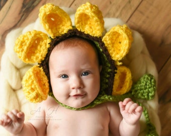 Baby flower bonnet, flower bonnet, flower hat, sunflower baby bonnet, nature loving mother, baby photo prop, newborn first pictures
