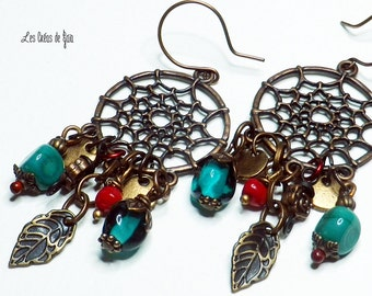 Ethnic earrings, copper metal, glass beads, seeds, metal beads.