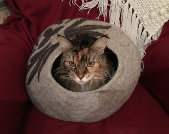 Shep's Filigree Silver Gray CAT CAVE 100% Wool Handmade Cat Cozy Pet Bed Kitty Cup