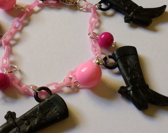 1950s 1940s style Vintage plastic bakelite style chain charm bracelet with cowboy boots and beads, western cow boy cowgirl rodeo,
