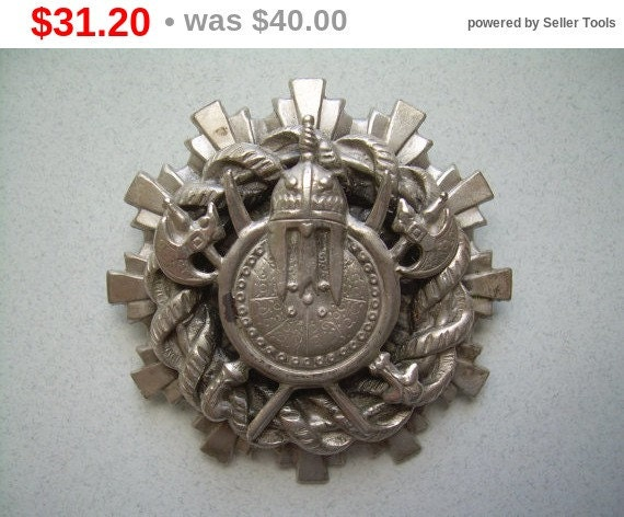 Lisner medieval pin brooch vintage silver by cougarcovejewelry for Star hallmark on jewelry