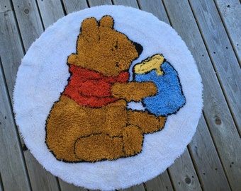 Winnie The Pooh Rug, Round, 1964, Disney, Cotton Chenille, Great Condition