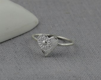 Silver Paisley Textured Ring