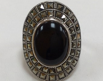 Vintage Sterling Silver Marcasite Rind With Black Onyx!!!