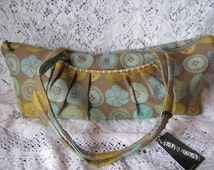 vintage  MARUCA Cloth Purse with Buttons and flowers Pattern  ** zippered top