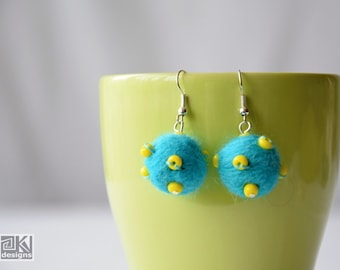Sputnik earrings, Felted earrings, Turquoise felt balls, Turquoise wool beads, Turquoise and Yellow, Beaded fun earrings, Summer fun felties