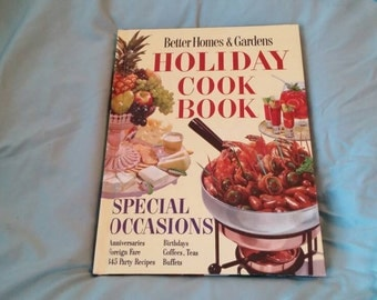 On Sale Better Homes and Gardens Holiday Hard Back Cook Book 1967 Vintage Kitchen
