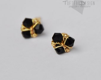 the legend of zelda earrings, zelda ear studs, nintendo jewelry, gaming jewelry, zelda ocarina of time earrings, nintendo ear studs, geeky