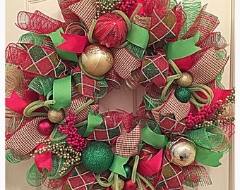 HOLIDAY SALE-Country Christmas Burlap Deco Mesh Wreath/Christmas Wreath/Christmas Burlap Wreath/Lime, Burlap and Red Christmas Wreath