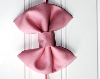 SALE! Classic Pale Pink Bow