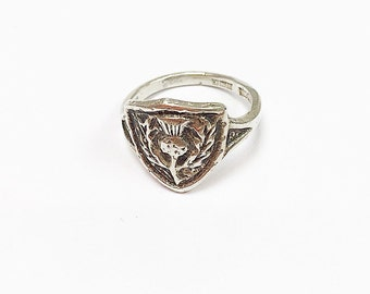 Beautiful vintage sterling silver thistle ring