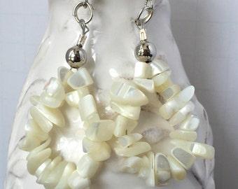 Ivory Wedding Earrings, Cream Dangle Earrings, Cream Wedding Earrings,  Cream Beaded Earrings, Teardrop Earrings, Cream Chip Bead Earrings