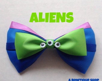 green alien hair bow