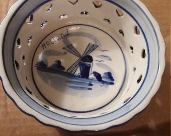 Vintage Hand painted Delft Deco trinket bowl.