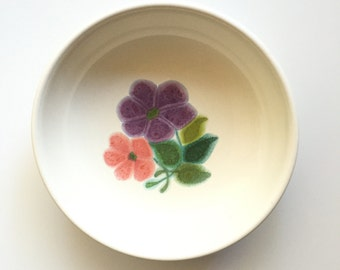 Vintage Franciscan Floral Soup Bowl / Floral Cereal Bowl / 1970s Franciscan Ware / Vintage Kitchen / Cottage Chic / Retro