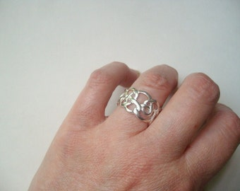 Vintage sterling silver Celtic knot ring, Celtic swirl, size 7.5 silver ring