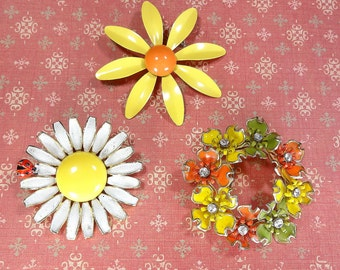 Vintage Brooches Weiss Daisy