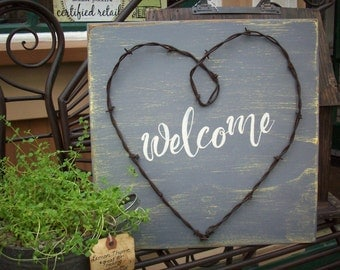 Western Welcome Sign / Rustic Welcome Sign / Front Porch Decor / Unique Porch Decor / Barbed Wire Heart / Unique Entryway Decor / Wall Art
