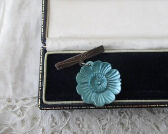 1920's glass brooch
