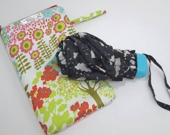Umbrella, brolly, wet, waterproof bag, bag for wet things, practical bag, gift idea, travelling, mothers day present, weather bag