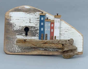 Wall hanging little houses on Driftwood #362