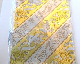 White and Gold Gift Wrap, Vintage Doves Wrapping Paper, 1 Sheet, Doves Wedding Shower Gift Wrap, Bridal Present Wedding,  Metallic