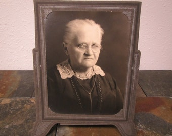 """vintage  BLACK & WHITE PHOTO of a Lady in photographers frame 7 """" by 9 """" Portrait* Nelson Studios early 1900s"""