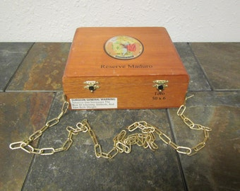 vintage ROMEO Y JULIETA WOOD Cigar box Purse with over the shoulder Chain * Romeo Juliet * Reserve Maduro